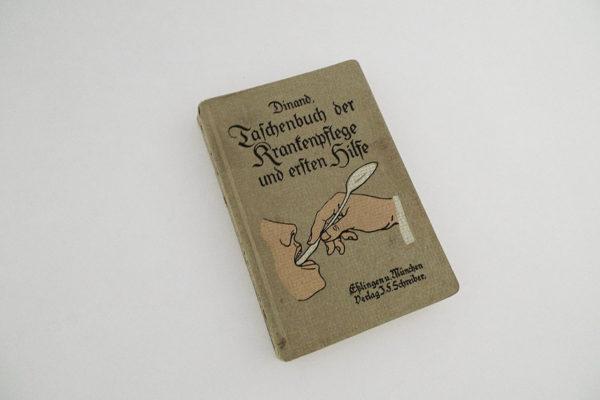 Taschenbuch der Krankenpflege