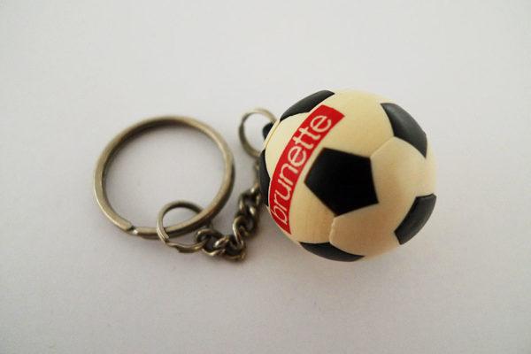 Schlüsselanhänger Brunette Fussball