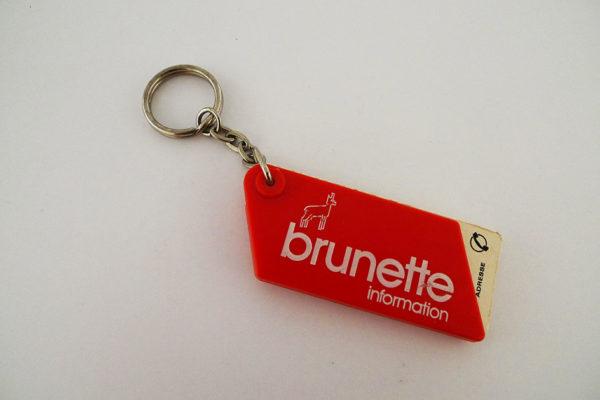 Schlüsselanhänger Brunette Information