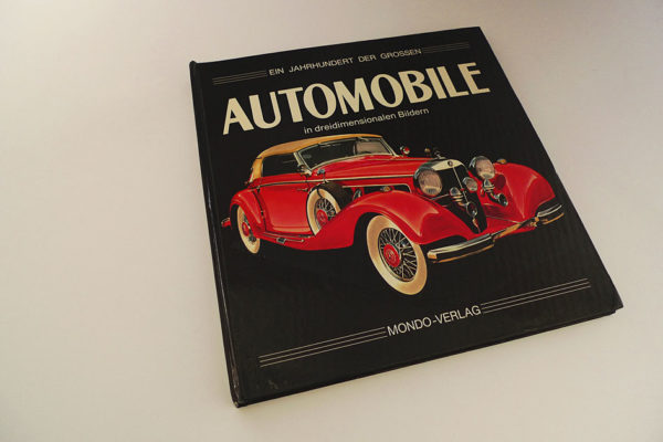 Ein Jahrhundert der großen Automobile in dreidimensionalen Bildern