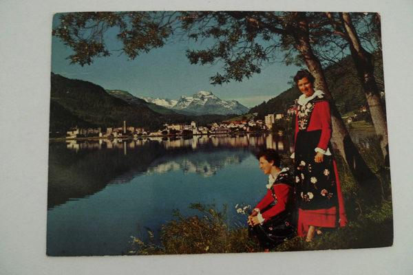 Engadinerinnen mit St.Moritz-Bad