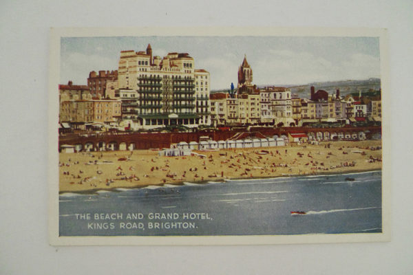 Brighton - The Beach an Grand Hotel