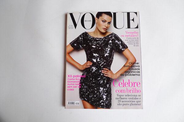 Vogue Brasil, 340; Isabeli Fontana